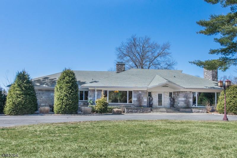 Частный односемейный дом для того Продажа на 715 TOTOWA Road Totowa, Нью-Джерси 07512 Соединенные Штаты