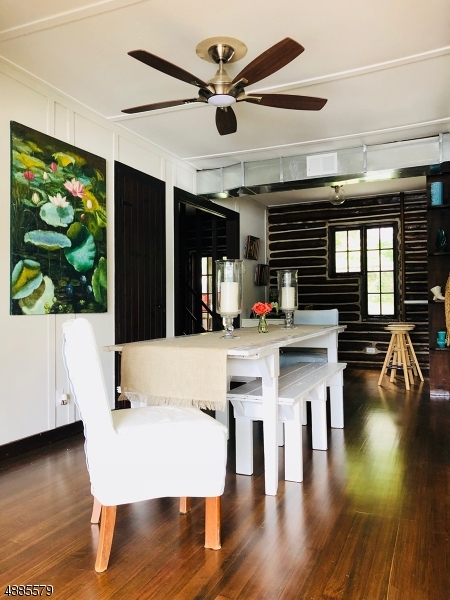 Частный односемейный дом для того Продажа на 48 BIRCH PKY Byram Township, Нью-Джерси 07871 Соединенные Штаты
