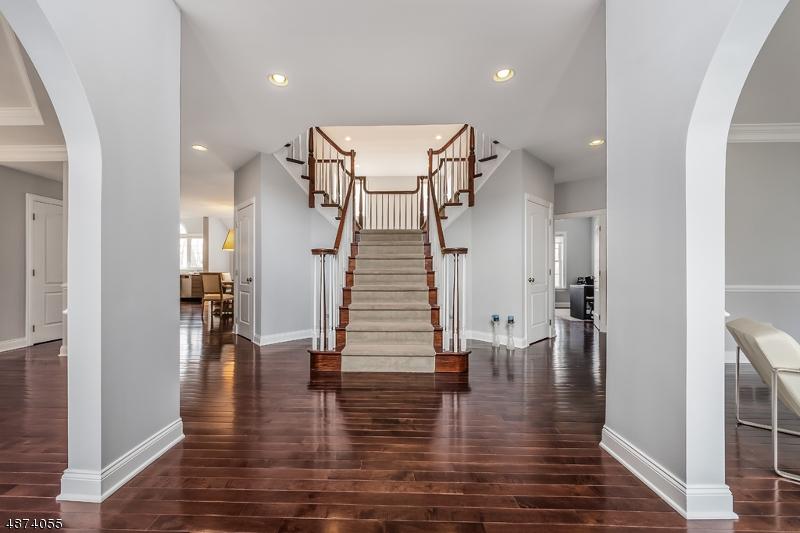 Single Family Homes 为 销售 在 伦道夫, 新泽西州 07869 美国