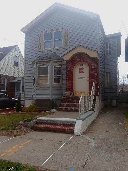 Casa multifamiliare per Vendita alle ore 310 N 9TH Street Prospect Park, New Jersey 07508 Stati Uniti