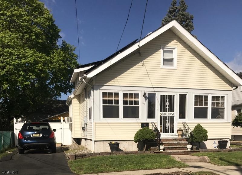 Enfamiljshus för Försäljning vid Elmwood Park, New Jersey 07407 Förenta staterna