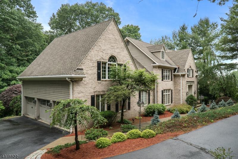 Single Family Homes för Försäljning vid Wayne, New Jersey 07470 Förenta staterna