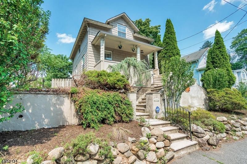 Single Family Homes pour l Vente à Park Ridge, New Jersey 07656 États-Unis