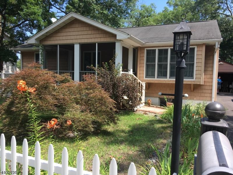 Single Family Homes للـ Sale في Beachwood, New Jersey 08722 United States