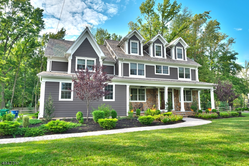 Single Family Homes pour l Vente à Scotch Plains, New Jersey 07076 États-Unis