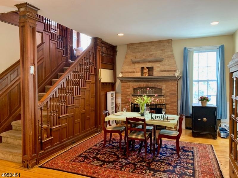 Single Family Homes 为 出租 在 西奥兰治, 新泽西州 07052 美国