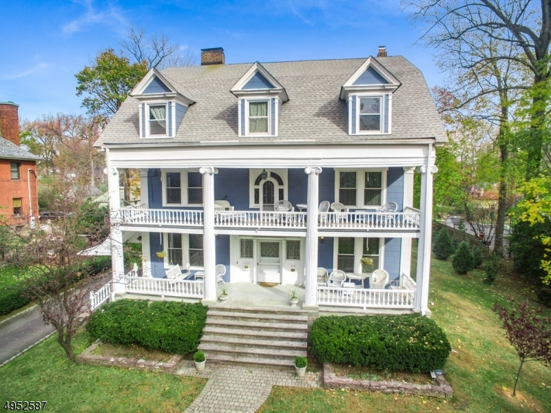 Single Family Homes 为 销售 在 南奥林奇, 新泽西州 07079 美国