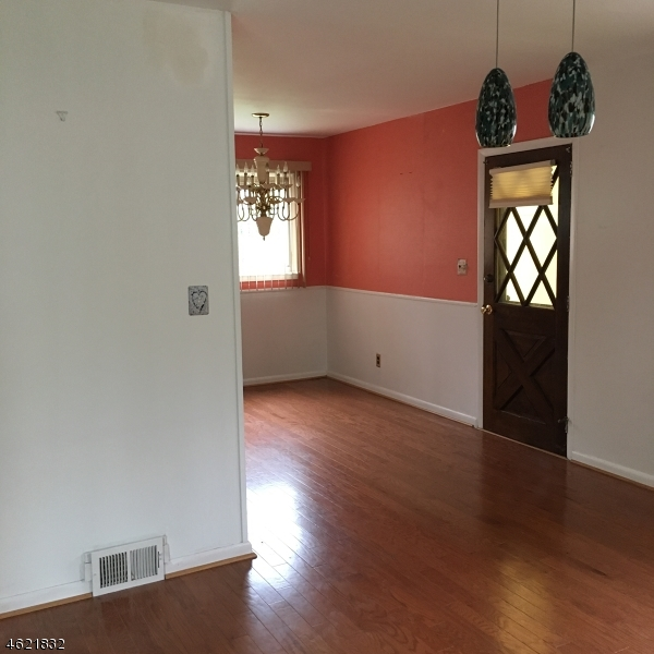 Additional photo for property listing at 121 La Grande Avenue  Fanwood, New Jersey 07023 États-Unis