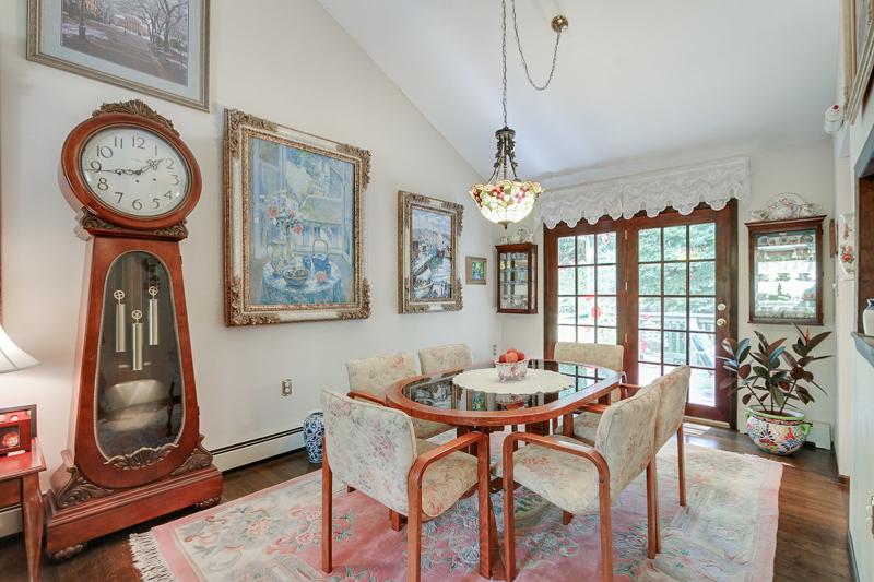 Additional photo for property listing at 628 Succasunna Road  Landing, Нью-Джерси 07850 Соединенные Штаты