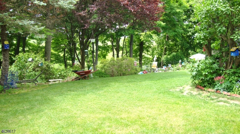 Additional photo for property listing at 52 Beardslee Hill Drive  Ogdensburg, 新泽西州 07439 美国