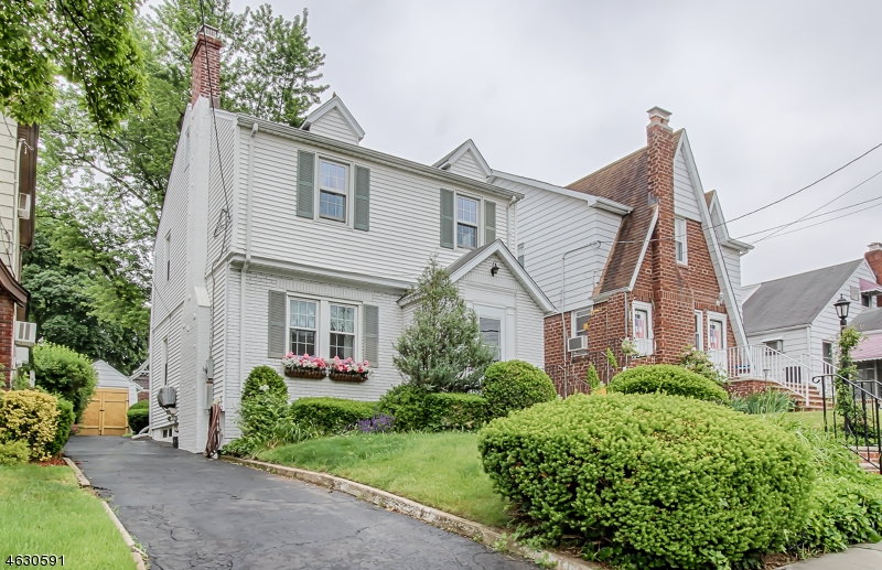 Additional photo for property listing at 8 Celia Ter  Belleville, Nueva Jersey 07109 Estados Unidos