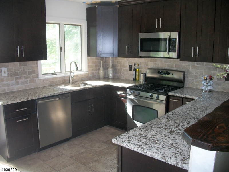 Casa Unifamiliar por un Venta en 35 W Shore Trail Stockholm, Nueva Jersey 07460 Estados Unidos