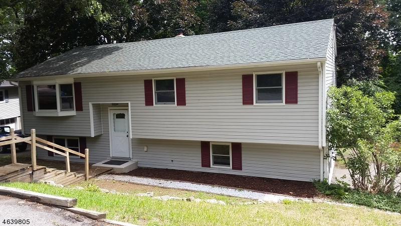 Single Family Home for Sale at 31 Brooklyn Mountain Road Hopatcong, New Jersey 07843 United States