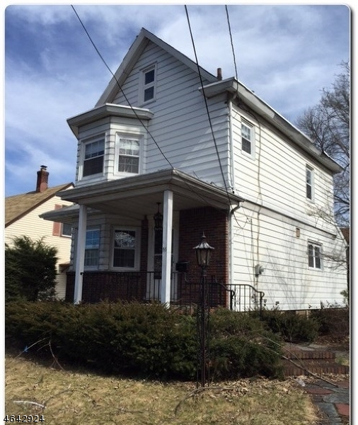 Single Family Home for Sale at 55 Rosemont Avenue Elmwood Park, New Jersey 07407 United States