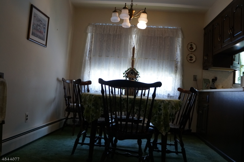 Additional photo for property listing at 9 Dardale Ter  Haskell, New Jersey 07420 États-Unis
