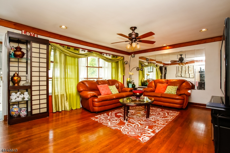 Additional photo for property listing at 28 Aspen Road  西奥兰治, 新泽西州 07052 美国