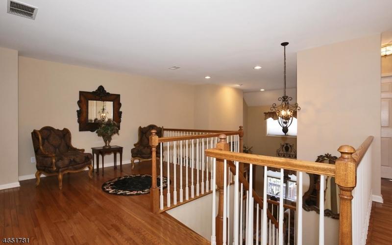 Additional photo for property listing at 46 Dickinson Road  Basking Ridge, Нью-Джерси 07920 Соединенные Штаты