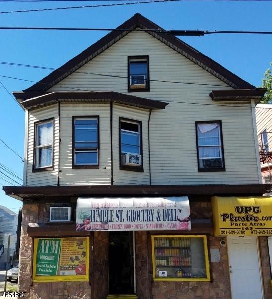 Maison unifamiliale pour l Vente à 163-165 TEMPLE Street Paterson, New Jersey 07522 États-Unis