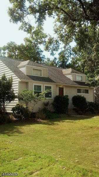 Maison unifamiliale pour l Vente à 712-14 StreetERLING Street Plainfield, New Jersey 07062 États-Unis