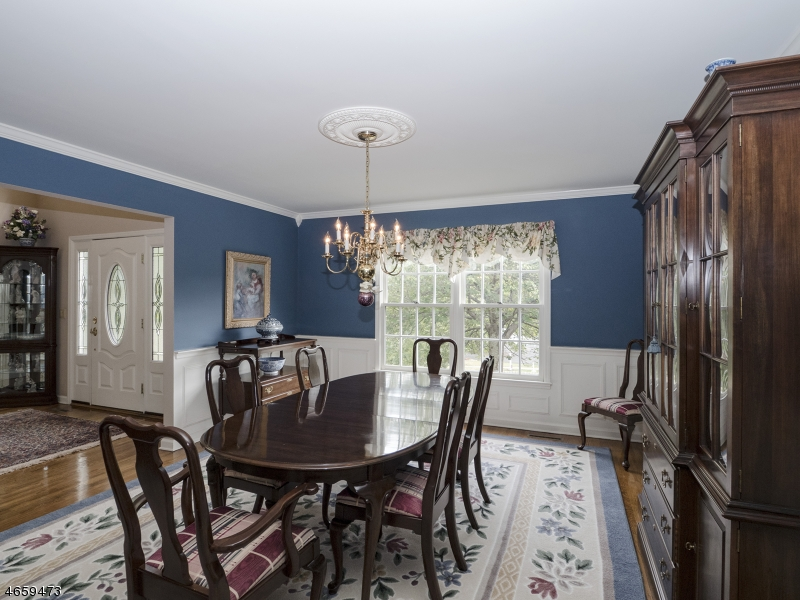 Additional photo for property listing at 18 Mark Twain Drive  Morristown, New Jersey 07960 États-Unis