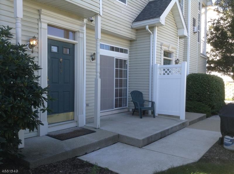 Casa Unifamiliar por un Alquiler en 88 Wildflower Lane Morristown, Nueva Jersey 07960 Estados Unidos