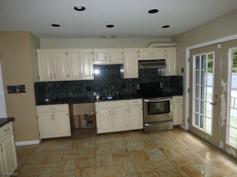Additional photo for property listing at 138 Notch Road  Oak Ridge, New Jersey 07438 États-Unis