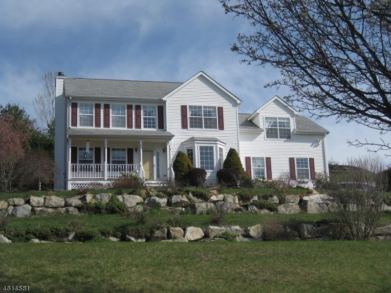 Частный односемейный дом для того Аренда на 14 Meadow Ridge Lane Lafayette, Нью-Джерси 07848 Соединенные Штаты