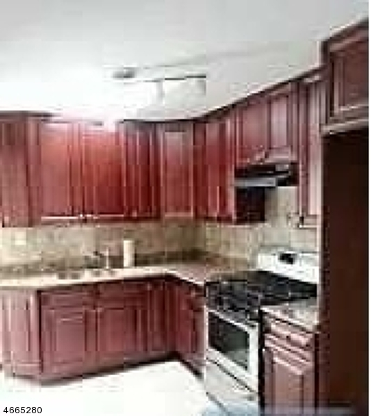 Additional photo for property listing at 17 Pilch Street  Bloomfield, Nueva Jersey 07003 Estados Unidos