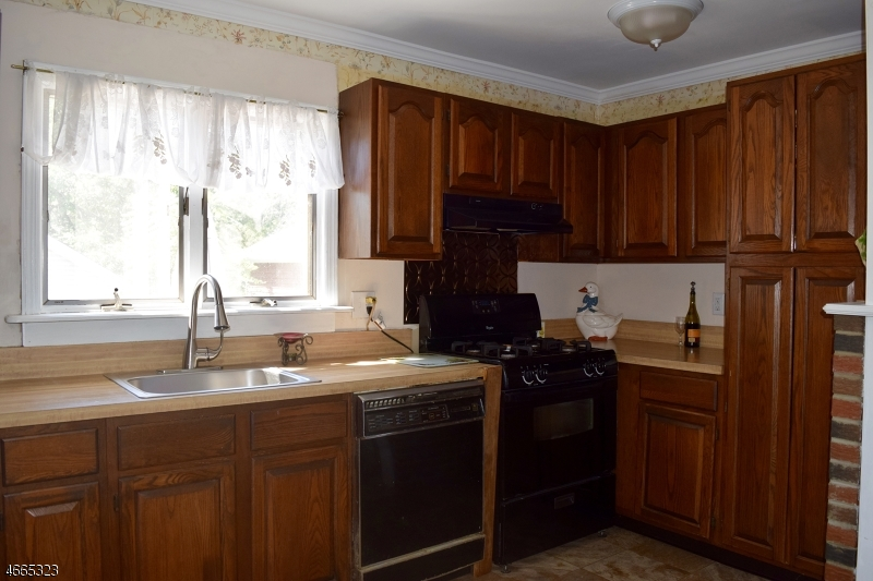 Additional photo for property listing at 27 Elizabeth Avenue  Cranford, New Jersey 07016 United States