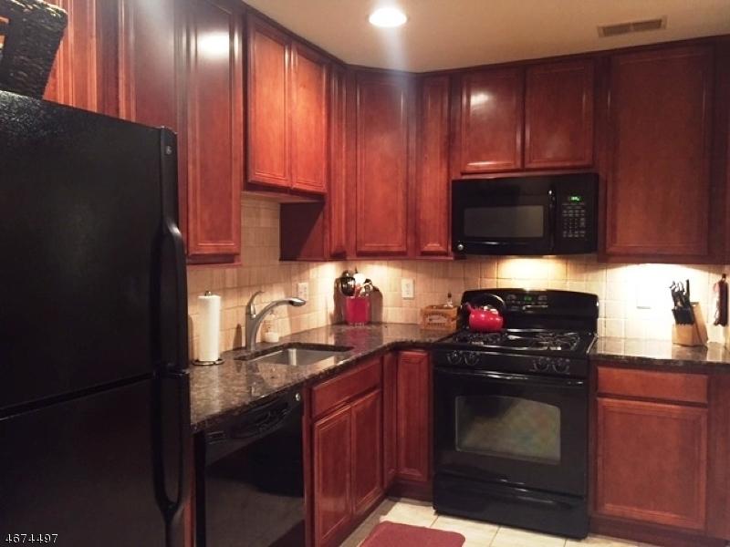 Casa Unifamiliar por un Venta en 10 Pondside Drive Ledgewood, Nueva Jersey 07852 Estados Unidos