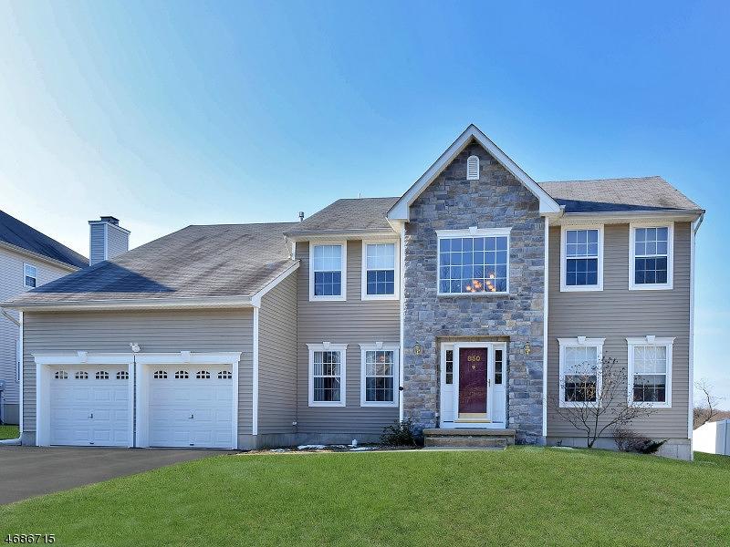 Casa Unifamiliar por un Venta en 850 RAVINE ROAD Lake Hopatcong, Nueva Jersey 07849 Estados Unidos