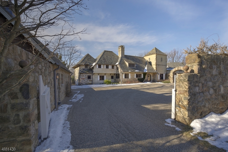 Частный односемейный дом для того Продажа на 268 Mount Harmony Road Bernardsville, 07924 Соединенные Штаты
