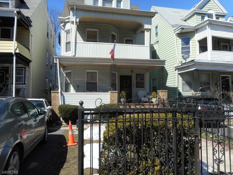 Casa Unifamiliar por un Alquiler en 393 N Grove Street East Orange, Nueva Jersey 07017 Estados Unidos