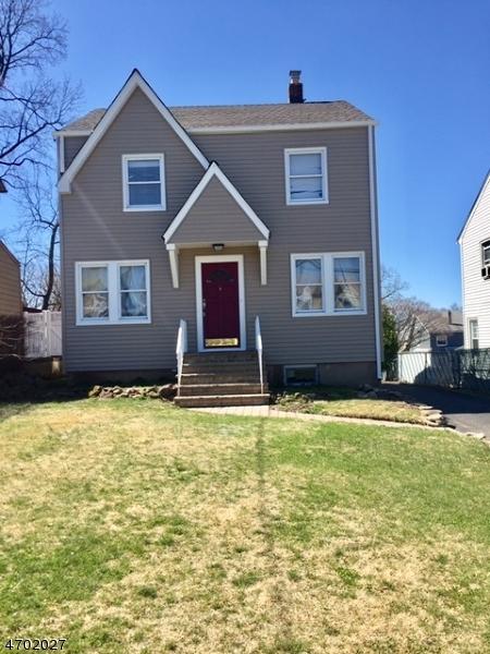 Maison unifamiliale pour l Vente à 440 Marlboro Road Wood Ridge, New Jersey 07075 États-Unis