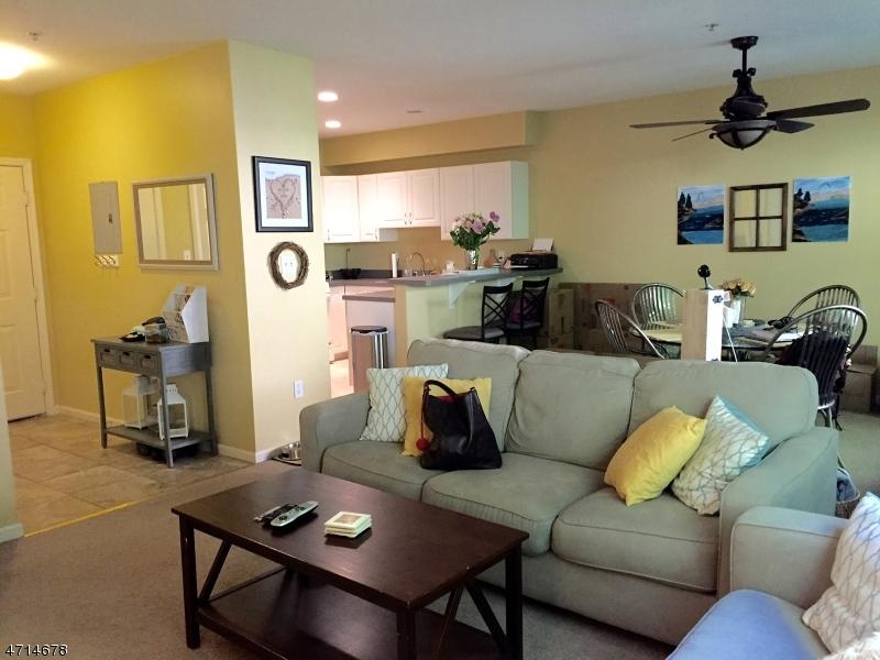 Casa Unifamiliar por un Alquiler en 53 Mountainview Court Riverdale, Nueva Jersey 07457 Estados Unidos