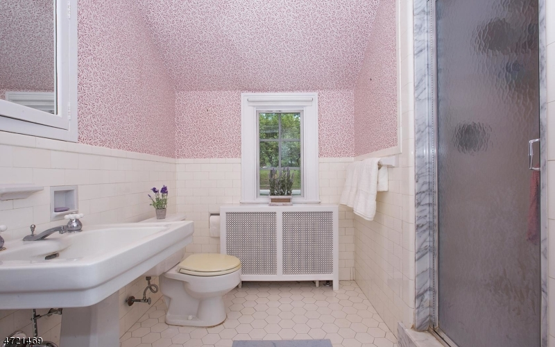 Additional photo for property listing at 50 Afterglow Avenue  Verona, New Jersey 07044 États-Unis