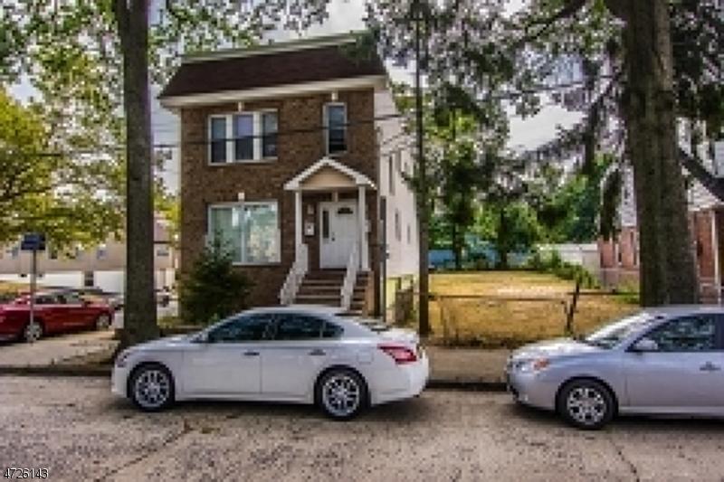 多户住宅 为 销售 在 58 Orchard Place Irvington, 新泽西州 07111 美国