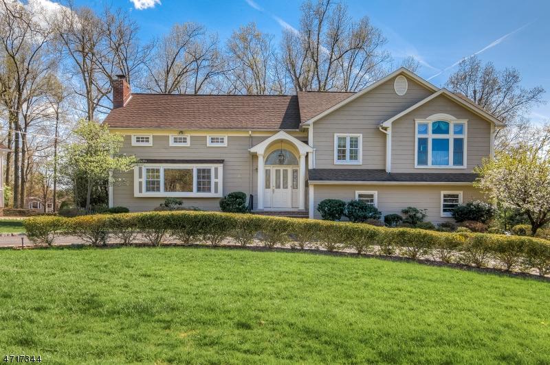 Casa Unifamiliar por un Alquiler en 87 N Hillside Avenue Livingston, Nueva Jersey 07039 Estados Unidos