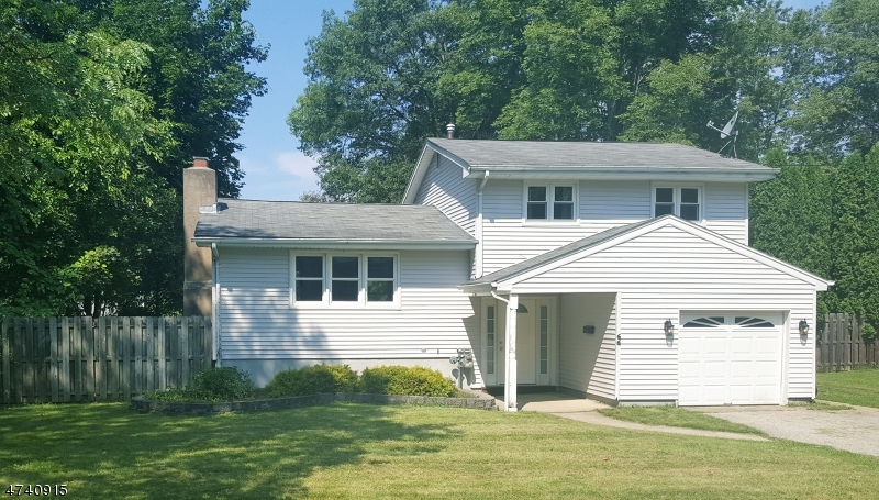 Maison unifamiliale pour l à louer à 66 Paterson Avenue Newton, New Jersey 07860 États-Unis