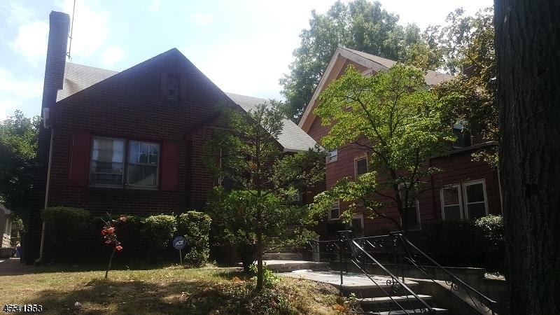 Μονοκατοικία για την Πώληση στο 80 Hillcrest Ter East Orange, New Jersey 07018 United States