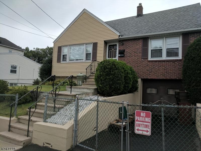 Частный односемейный дом для того Аренда на Address Not Available Belleville, Нью-Джерси 07109 Соединенные Штаты