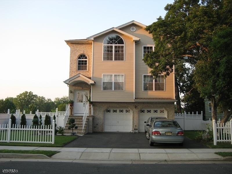 Casa Unifamiliar por un Alquiler en 945 Woodlawn Avenue Linden, Nueva Jersey 07036 Estados Unidos