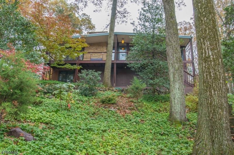 Частный односемейный дом для того Аренда на 24 KITCHELL ROAD Denville, Нью-Джерси 07834 Соединенные Штаты