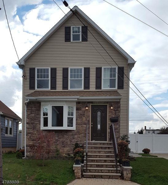Single Family Home for Sale at 5 WALLACE Street Woodbridge, New Jersey 07095 United States