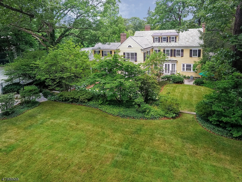 Single Family Home for Sale at 100 Prospect Hill Avenue Summit, New Jersey 07901 United States