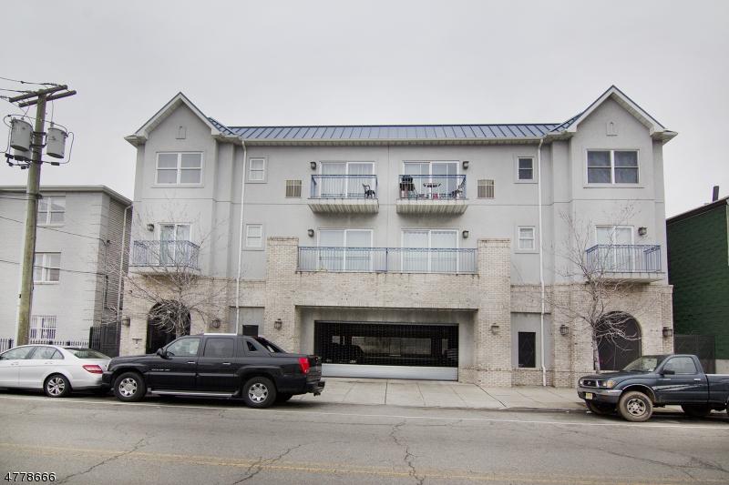 獨棟家庭住宅 為 出售 在 130 South Street Newark, 新澤西州 07114 美國