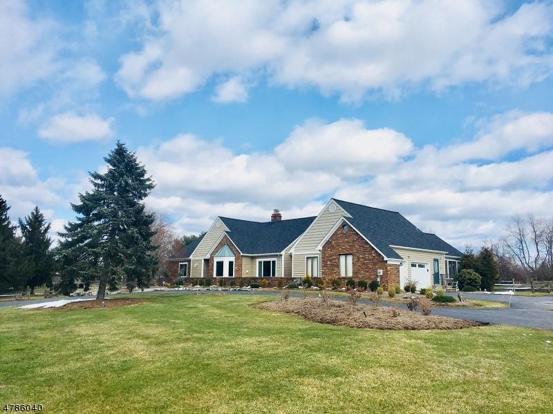 Maison unifamiliale pour l Vente à 83 Briar Way Branchburg, New Jersey 08853 États-Unis