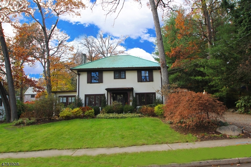 Single Family Home for Sale at 68 N Monroe Street Ridgewood, New Jersey 07450 United States