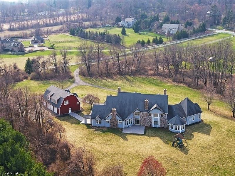 Casa para uma família para Venda às 216 Pleasant Hill Road Chester, Nova Jersey 07930 Estados Unidos