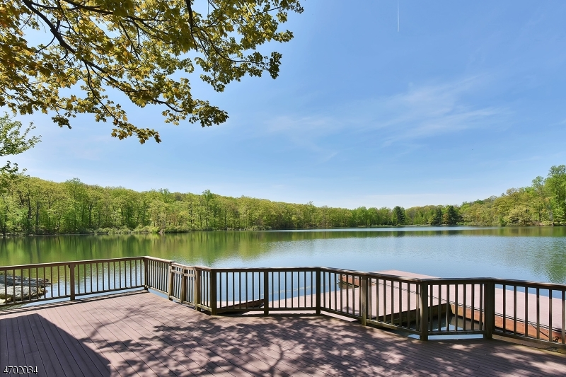 Additional photo for property listing at 1 Brook Valley Ter  Kinnelon, Nueva Jersey 07405 Estados Unidos